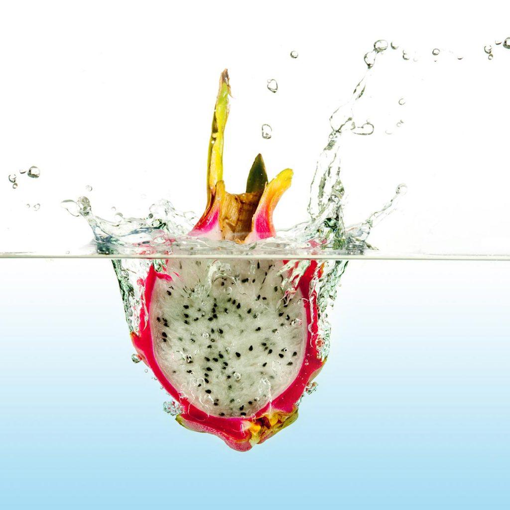 still-life-dragon-fruit-splash-lighting-setup